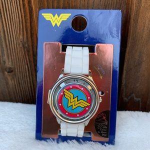Wonder women white band fun spinning watch